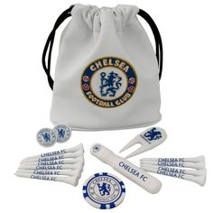 A perfect gift for a golfer, this Chelsea FC tote bag executive golf gift set has all the golf accessories you need for your round! FREE DELIVERY on all of our football golf merchandise Club Chelsea, Fc Chelsea, Chelsea Football, London Football, Gifts For Golfers, Soccer Gifts, Golf Gifts, Football Accessories, Golf Accessories