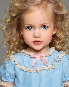 This just might be a little doll . Pretty Kids, Beautiful Little Girls, Cute Little Baby, Baby Kind, Pretty Baby, Cute Baby Girl, Beautiful Children, Beautiful Eyes, Beautiful Babies