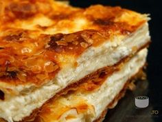 Placinta cu branza sarata - I Cook Different Recipes Appetizers And Snacks, Easy Desserts, Dessert Recipes, Romanian Desserts, Romanian Food, Portokalopita Recipe, Puff And Pie, Fire Cooking, Hungarian Recipes