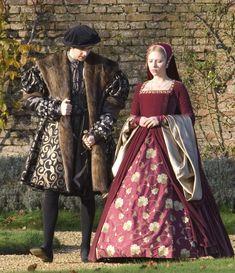Tudor Costume, The Other Boleyn Girl. Mode Renaissance, Renaissance Costume, Renaissance Clothing, Renaissance Fashion, Tudor Dress, Medieval Dress, Historical Costume, Historical Clothing, Disneysea Tokyo