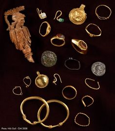 a collection of Ancient Roman jewelry.