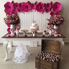 Produção fofíssima da Cibelle fo @borntobeabride #ProntaParaCasamentoRosa #prontaparaosim # Red Birthday Party, 1st Birthday Girls, Diwali Decorations, Birthday Decorations, Engagement Decorations, Wedding Decorations, Giant Paper Flowers, Wedding Art, Birthday Design
