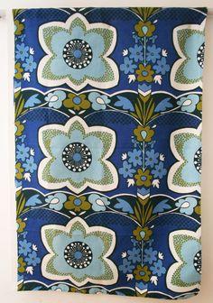 vintage 1960s 'Garrick' by Grace Sullivan for Moygashel floral print panel