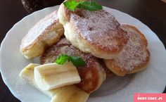 You searched for bananenpfannkuchen - Rezepte Crepes And Waffles, Pancakes, Polish Recipes, Dinner Dishes, Food To Make, Breakfast Recipes, Delish, Food And Drink, Cooking Recipes