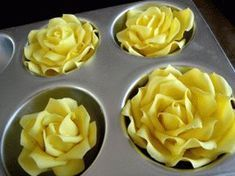 """Edible Rose Tutorial Great rose tutorial (especially need it for the """"single petal"""" ideas--the spoon!)Great rose tutorial (especially need it for the """"single petal"""" ideas--the spoon! Fondant Flower Tutorial, Fondant Flowers, Cake Tutorial, Sugar Flowers, Cake Decorating Techniques, Cake Decorating Tutorials, Cookie Decorating, Fondant Cakes, Cupcake Cakes"""