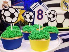 Fun Soccer Themed Birthday Party - Pretty My Party - Party Ideas Soccer Party Favors, Soccer Birthday Parties, Birthday Party Design, Superhero Birthday Party, Toy Story Birthday, Toy Story Party, Birthday Party Favors, Pirate Party, Birthday Cake