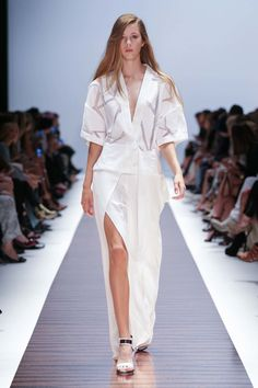Ginger & Smart Australia Spring 2015 Fashion Show Runway Fashion, Fashion Show, Fashion Design, Ginger And Smart, Spring 2015 Fashion, Smart Dress, Vogue Australia, Couture Collection, Ethical Fashion