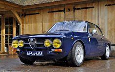 Alfa Romeo 1750 GTV el auto para este fin de semana. Que te parece.