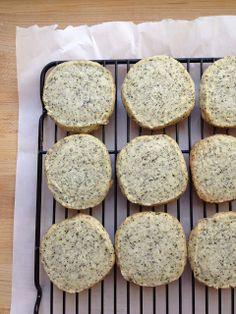 Sprinkles and Champagne: earl grey shortbread cookies
