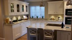 Our clients completed kitchen. The feedback was that it had been an amazing transformation and has changed the way the kitchen is used by family and friends alike. A great space to entertain leading onto the garden.