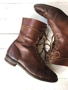 Classic and rare 1930s brown leather lace up boots with moccasin toe, cotton laces and wood sole. Excellent wearable condition! ✂-----Measurements fits like: us 8 | euro 38.5 | uk 5.5 insole: 10.25 ball: 3.5 heel: 1 shaft height: 8 brand/maker: n/a condition: excellent ★ layaway is available for this item ➸ more vintage footwear http://www.etsy.com/shop/DearGolden?section_id=5800174 ➸ visit the shop http://www.DearGolden.etsy.com _____________...