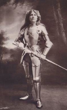 Red Poulaine's Musings: Miss Ellaline Terriss, Victorian/Edwardian Stage and Film Actress, as Joan of Arc, circa 1911