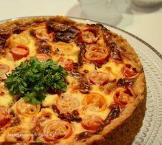 Makeaa murmelin täydeltä: Taivaallinen tomaatti-vuohenjuustopiirakka Something Sweet, Sweet And Salty, Vegetable Pizza, Tart, Food And Drink, Healthy Recipes, Healthy Food, Pie, Yummy Food