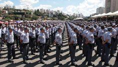 Mais da metade dos policiais apoiam fim da PM, indica pesquisa - Notícias - R7 Brasil