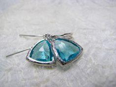 Ohrringe Kristall rhodiniert, Glas dunkelblau von Querbeads Atelier auf DaWanda.com