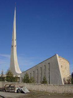 Hakkı Atamulu'nun Nevşehir Derinkuyu'daki camisi çağdaş camilere örnek