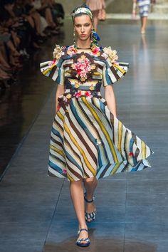 Dolce & Gabbana Spring 2013 Ready-to-Wear Fashion Show - Ruby Aldridge