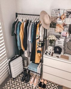 Nice Simple Hack: Small Closet Organization Tricks - As a vital part of the hous., Nice Simple Hack: Small Closet Organization Tricks - As a vital part of the hous. Decoration Bedroom, Room Decor Bedroom, Living Room Decor, Diy Home Decor, Cheap Room Decor, Bedroom Lighting, Bedroom Furniture, 50s Bedroom, Nice Furniture