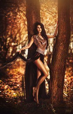 Beautiful Feminine Photo Portraits By The Russian Fashion Photographer Svetlana Belyaeva Outdoor Fashion Photography, Autumn Photography, Portrait Photography, Conceptual Photography, Photoshoot Inspiration, Diana, Sexy Women, People, Beautiful