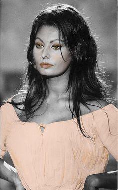Italian Actress, Sophia Loren, Interesting Faces, Pin Up Girls, Golden Age, Marilyn Monroe, Beautiful Women, Actresses, Woman