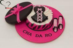 Bolos decorados para o chá de lingerie - http://www.boloaniversario.com/bolos-decorados-para-o-cha-de-lingerie/