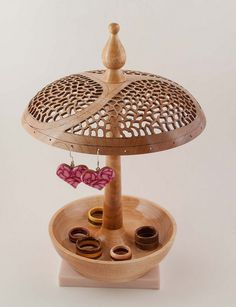 Maple Jewelry Stand 01 by Eric Holmquist, via Flickr