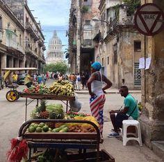 Market in the street - Havana, Cuba Varadero Cuba, Road Trip Cuba, Places Around The World, Around The Worlds, Cuba Today, Viva Cuba, Cuban People, Going To Cuba, Viajes