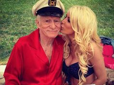 And why Hugh Hefner net worth is so massive? Hugh Hefner net worth is definitely at the very top level among other celebrities, yet why? Playboy, Dating Older Women, Older Men, Hugh Hefner, Celebrity Deaths, Fresh Memes, Photo Projects, Girl Next Door, Net Worth