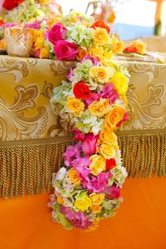 beautiful table runner of roses and hydrangea