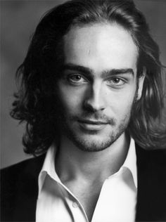 tom mison - SUCH a good reason to watch sleepy hollow