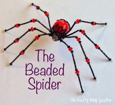 Learn how to make a beaded spider. Add to a scary Halloween scene or hang your Christmas spider on the tree! Beaded Crafts, Beaded Ornaments, Jewelry Crafts, Handmade Jewelry, Halloween Schmuck, Halloween Jewelry, Halloween Bat Decorations, Halloween Scene, Scary Halloween