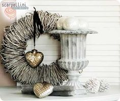 florence's home: Y love shabby.to be continued. French Country Christmas, Rustic Christmas, White Christmas, Handmade Christmas, Flower Decorations, Christmas Decorations, Christmas Ornaments, Christmas Ideas, Merry Christmas