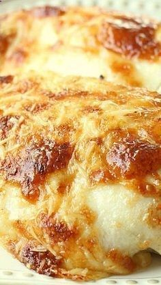 Creamy Swiss Chicken Bake ~ The Flavors of Chicken, Sour Cream and a Bit of Swiss & Parmesan Cheese, Make This Recipe Oh So Delicious! - wonder if you could use Greek yogurt instead of the mayo and sour cream? Baked Chicken Recipes, Meat Recipes, Cooking Recipes, Baked Fried Chicken, Chicken Flavors, Entree Recipes, Cooking Time, Delicious Dinner Recipes, Yummy Food