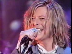 Balled my eyes out to this this morning...David Bowie - Starman (Live on TFI Friday 1999).mpg - YouTube