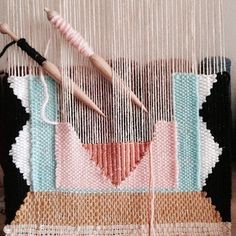Click click! Places in my upcoming Spring weaving road trip are being snapped up!  NYC April 24 SLC May 13 ATX June 12  Don't sit back and twiddle your thumbs. Click on the link in my profile as there are a bunch of other classes to check out.  by maryannemoodie
