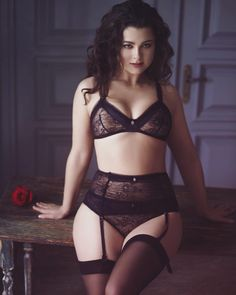 Sexy curvy lady in lingerie.