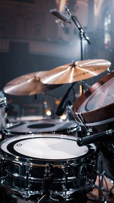 Drums Wallpaper, Drums Girl, Best Drums, Drum Cover, Vintage Drums, Copyright Music, Music Aesthetic, Drum Kits, Music Photo