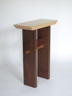 악센트 테이블 : MokuzaiFurniture에 의해 항목에 대한 예술적인 작은 테이블