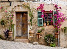 "audreylovesparis: ""doorway in Provence """