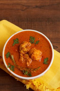 Prawns Gassi Recipe comes from the manglore region and one of the most popular dish. Spicy Recipes, Curry Recipes, Fish Recipes, Seafood Recipes, Cooking Recipes, Prawn Masala, Prawn Curry, Fish Curry, Prawn Dishes