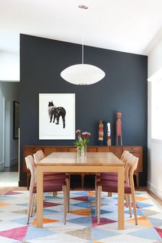 via planete deco, originally from homelife. a renovated house in australia. Beautiful way to embrace colors.