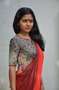 Amazing Elegant Sari Blouse Click above VISIT link for more - Saree Blouses Cotton Saree Blouse Designs, Saree Blouse Patterns, Designer Blouse Patterns, Fancy Blouse Designs, Blouse Neck Designs, Kurta Designs, Designer Dresses, Stylish Blouse Design, India