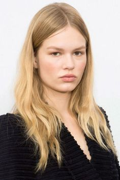 How to get the '70-inspired beauty from the Chloe Fall 2015 runway.