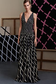 Gucci | Pre-Fall 2015 | 27 Monochrome diamond-printed sleeveless maxi dress with V-neck