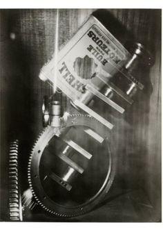 GERMAINE KRULL (1897-1985) s.t. [étude pour « Shell »]. n.d. [1928].