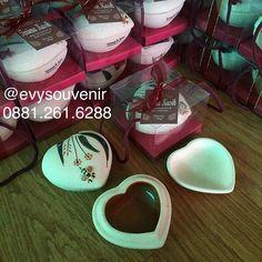 Souvenir Tempat Perhiasan Kumbang  9.000 (Termasuk sablon dan kemasan box mika…