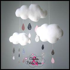 Mobile nuage et gouttes de pluie tons rose et gris 2