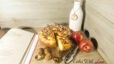 """Buongiorno Bella gente! 🌞🌈 Anche se le mele le etichettiamo tutti ormai come un frutto invernale io non rinuncio mai ad una buona torta di mele per colazione! Questa ricetta è del libro di @robertorinaldini """"I miei dolci Italiani"""", che adoro ❤ La ricetta la trovate oggi sul mio blog : www.cakeswithlove.ifood.it 😘"""