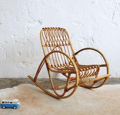 Fauteuil osier vintage années 60 70 rotin 1970 Rocking chair Enfant design