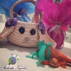 """""""Coelhinho da Páscoa que trazes pra mim?"""" Linda opção de cesta para presentear quem amamos com muitos chocolatinhos  ENCOMENDAS   direct  Whats  (11)947358850  #pascoa #presenteiequemvocêama #aceitoencomendas #cestadepascoa #cesta #croche #crochet #crochetlove #trapilho #trapillo #fiodemalha #fioecologico #fioreciclado #feitoamao #feitopormim #euquefiz #handmade #lovehandmade #instaart #instatop #instalove #instamoment #instacrochet #instapascoa #artesa #artesanato #presente #facaseupedido…"""